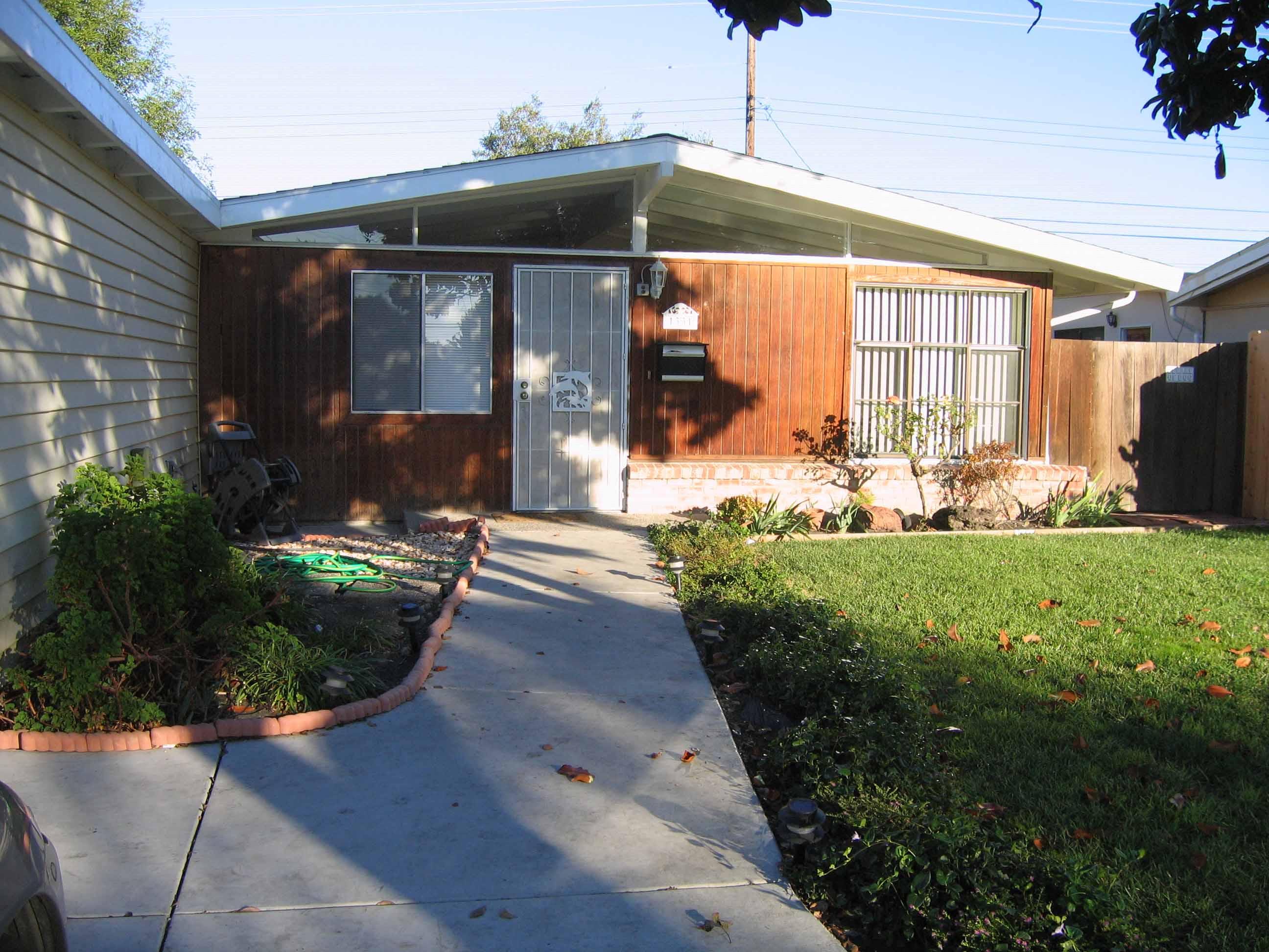 1331 Sandia Avenue House