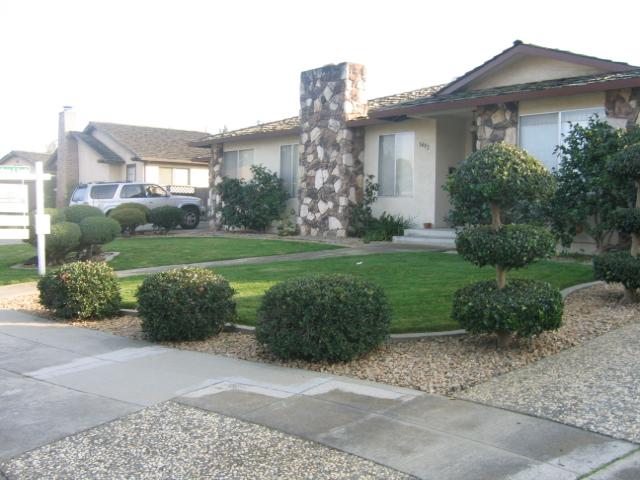 1482 Belleville Drive House