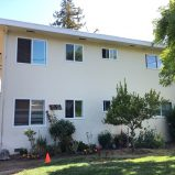 Great 2BD/1BA Upstairs Apartment in Sunnyvale (327 W. Maude Ave.)